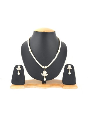 Trendmagnet Natural Pearl Moon Pendant Design Necklace Set